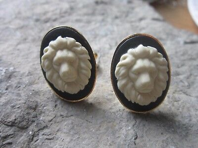 Pair Of Lion Cameo Gold Cuff Links - Cat - Africa - Lion's Head - Scarf Pin