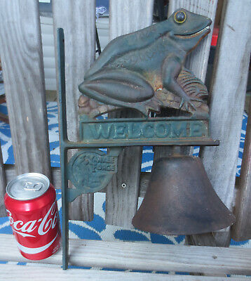 """Vintage Yankee Forge Cast Iron Bell With Rare Frog Welcome Design 13.25"""" Tall"""