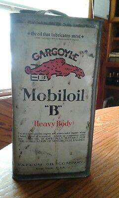 Vintage Gargoyle Mobile Oil Can B Heavy-Body.  Empty.  Never been cleaned.