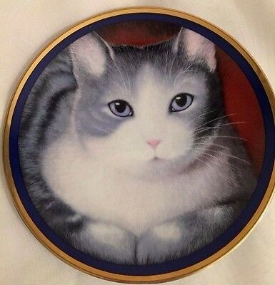 Special Gifts By Crown Touch Porcelain Plate Gray & White Cat/ Blue Eyes/ Japan