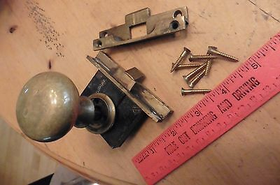 Vintage brass YALE door lock & knob with receiver made in USA (DD)