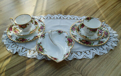 "2 Gedecke + Gebäckschale Royal Albert Bone China England ""Old Country Roses"""