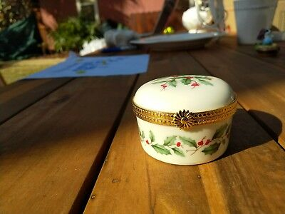 lenox christmas holiday holly berry hinged round trinket box collectible