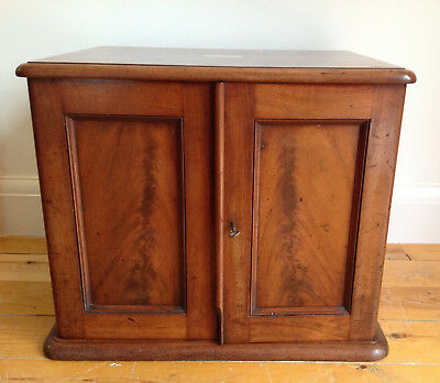 Fine Walnut Cutlery Cabinet c.1900, with 7 Drawers and 84 Piece A1 EPNS Cutlery