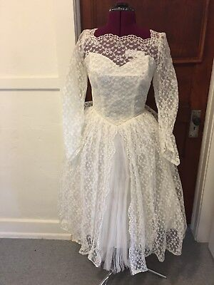 1950s Sears and Roebuck white lace Ballerina cut wedding gown