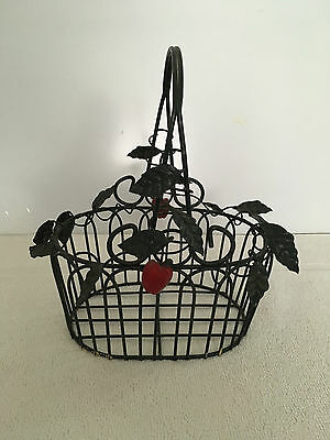 Decorative Metal Wire Basket  Apples  Leaves Decor Country Vintage Rustic