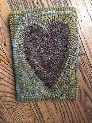Hand Made Primitive Style Hooked Rug Mat Heart Old Faded Look