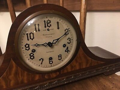 1942 New Haven Westminster Wind-up 3-chime Wooden Mantel Clock w Key