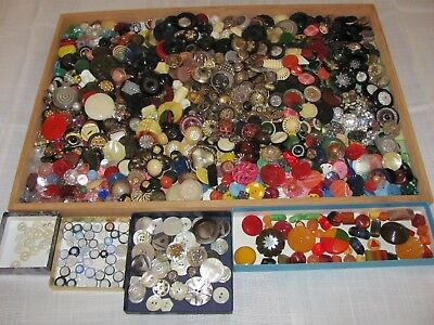 LOT Vtg Antique BUTTONS Metal Bakelite Celluloid Lucite Plastic Glass 5 lbs Ex!