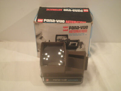 "Gaf Pana-Vue Automatic Lighted 2"" x 2"" Stack Slide Viewer in Box"