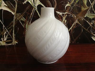 AK Emperor Germany, Fine Curved Relief Vase, Pure White Porcelain