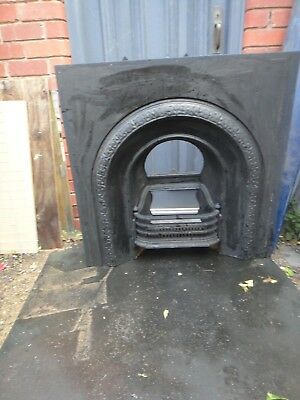 Original Victorian cast iron fire insert. Good condition but incomplete
