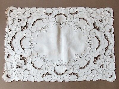 Vintage 1970s 40cm Wide Embroidered Cut Work Cream Linen Placemat/Tray Cloth