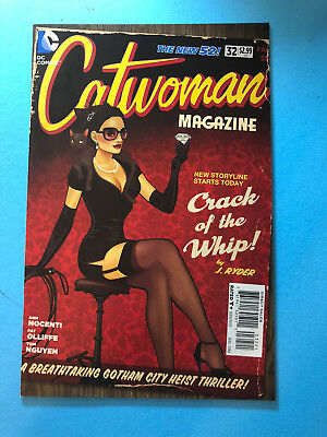 Catwoman New 52 32 DC 08/14 DC Bombshells Variant Cover Pin Up