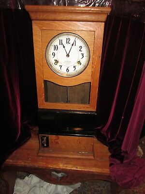 International Time Recording Company Time Clock Oak Dated 1924 Serial No. 268117