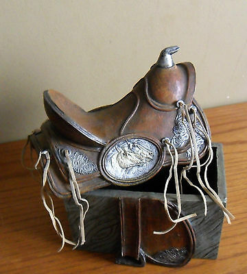 Vintage Western Cameo HORSE Heads SADDLE Lidded Trinket BOX with TASSELS