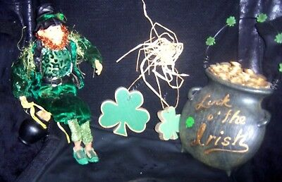 St Patrick's Day Pot Of Gold  Wall Hanging  Leprechaun Both    Beautiful Lot