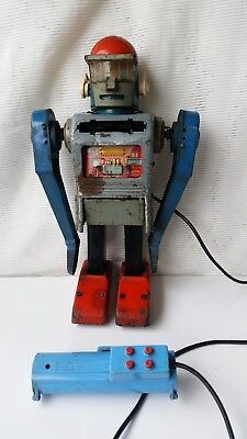 Battery operated, tin robot ,Mr. Mercury made in japan by Marx yonesawa,