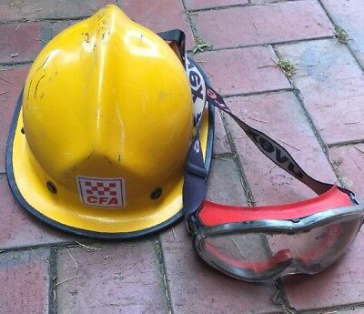 Country Fire Authority  Firefighter Fireman Helmet Goggles Obsolete