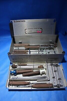 Synthes Universal Spine Set Hook and Screw Instruments