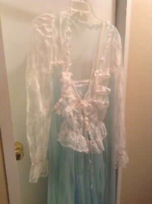 Vinetage Sweeping Gown &robe Designs By Faris Powder Blue Med