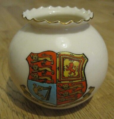 WH GOSS Crested China ball vase. W. Hartlepool, England, HM Queen Victoria (CC8)