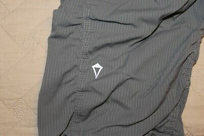Ivivva by Lululemon Pinstripe Gray Live to Move Crop Pants Girls Size 10 EUC