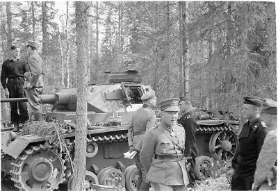 WWII PHOTO FINNISH soldiers evacuate the wounded World War