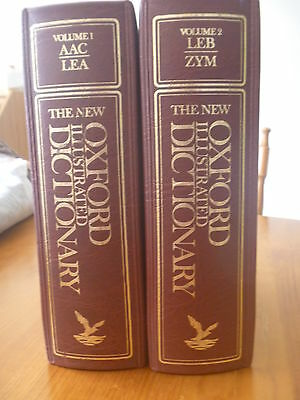 THE NEW OXFORD ILLUSTRATED DICTIONARY BAY BOOKS Vol 1 & 2..VINTAGE 1976