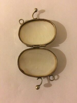 From grandmothers time mini mother off pearl candy or sniff box in mint shape