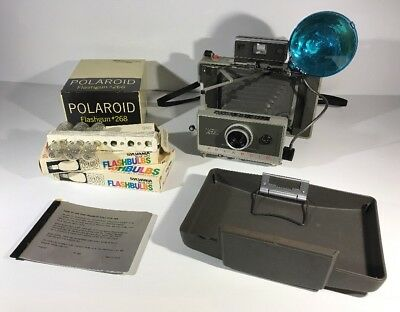 Polaroid 340 Land Camera with Flashgun #268 And M3 Flashbulbs