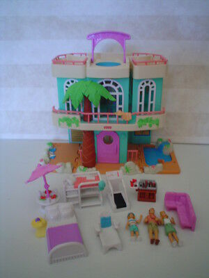 Fisher Price Sweet Streets Loving Family Beach House Complete Dolls Furniture