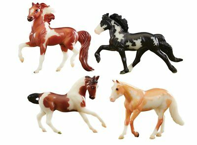 Breyer 1:32 Stablemates Glow in the Dark 4-Horse Set