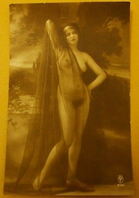 Vintage Original Glamour Risque Nude Postcard Style Picture - Ref 230(B)