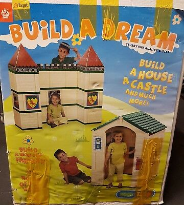 Build a dream kids cubby house/ castle giant block set.in box. Used once