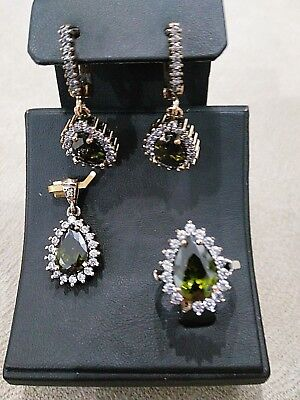 Ladie's Turkish Handmade Jewelry 925 Sterling Silver / Peridot Set Ring Size 6.5