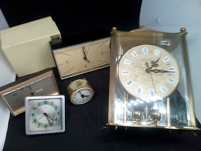 Lot  Pendule Horloge Reveil   Pour Pieces Ou Restauration