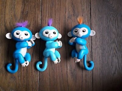 fingerlings bundle x 3. Good used condition. Will need new batteries
