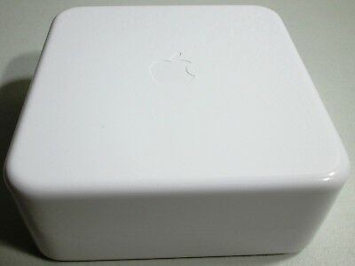 ORIGINAL WHITE PLASTIC BOX ONLY EMPTY FOR A STAINLESS STEEL Apple WATCH 38mm.