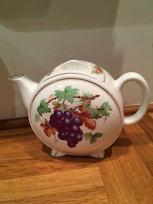 Vintage Ringtons Maling Ware Grape Vine Leaves Design Circular Tea Pot.