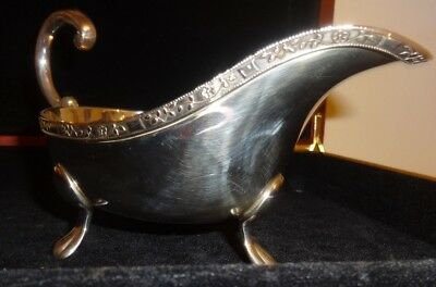 Vintage Viner's Alpha Plate Plate Silver Plated ( E.p.n.s ) Gravy Boat