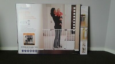 Dream Baby Xtra wide white security gate