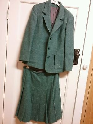 1960s two piece tweed,pale jade,women's wool blend suit.Size 12.Made in England.