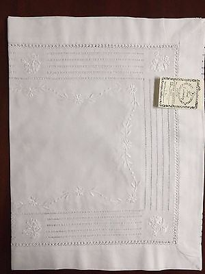 Irish Linen Madeira Hemstitch Runner, Hand Embroidery,16 X 54:Boutross R9901-54