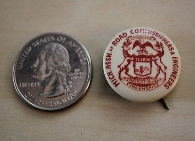 Michigan Assn of Road Commissioners & Engineers Vintage Pin Pinback Button 28428