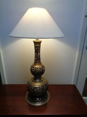 LARGE VINTAGE BRASS TABLE LAMP with LAMPSHADE
