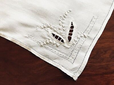 """VINTAGE White Lawn LADIES HANDKERCHIEF """" LILY OF THE VALLEY """""""