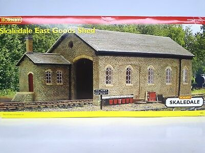 Hornby Skaledale East Goods Shed R8852 Mint Condition OO/HO Scale