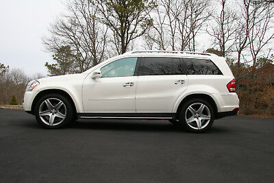 2011 Mercedes-Benz GL-Class Diamond White with Cashmere Leather 2011 MERCEDES GL550
