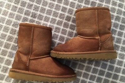 UGG Boots Classic Chestnut Brown Girls Size 9 Shoes Shearling Warm Winter